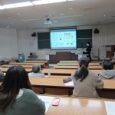 皆さん,こんにちは。Rです! 2021年2月17日,福島大学M22講義室にて博士論文発表が行われました。 ここで高貝研究室から博士後期課程3年生の1名が発表しました。  冒頭の様子: 「ナノ物質のサイズ・形状 […]